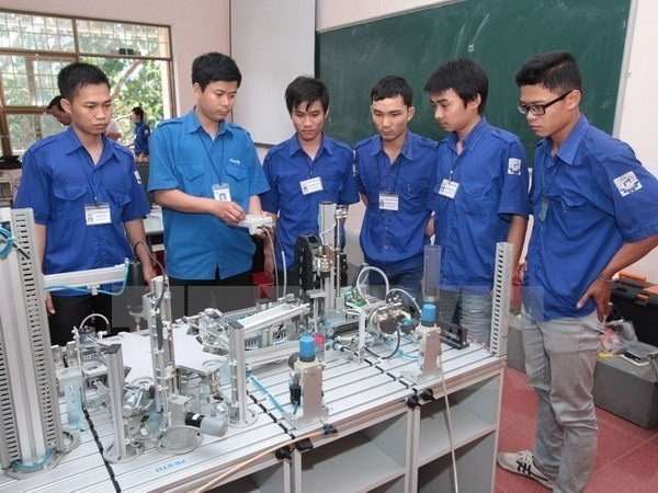 Labourers urged to improve skills for industrial revolution
