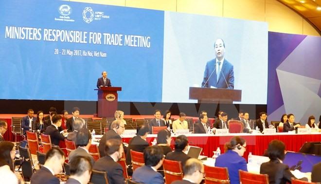 APEC trade ministers seek deeper cooperation