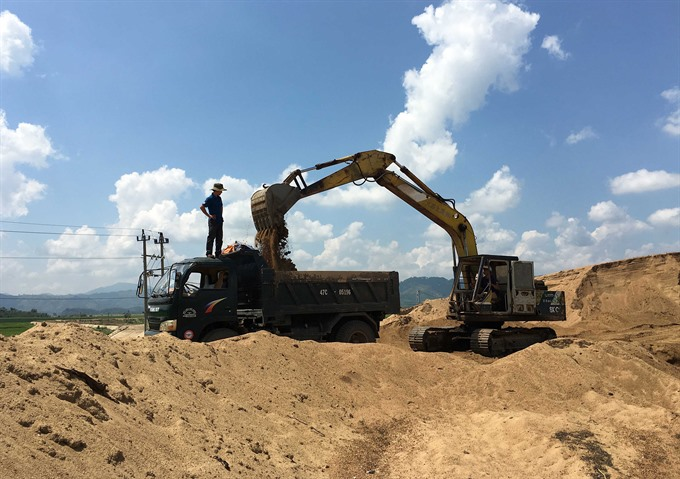 Price of VN sand rises due to limited supply