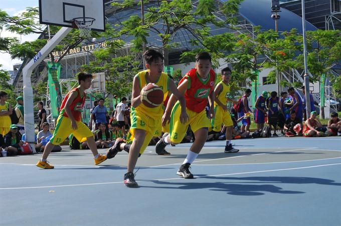 118 HCM City school teams play in Milo Cup basketball
