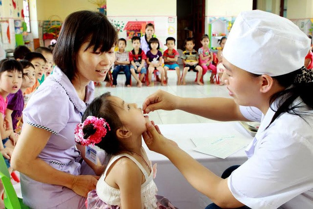 Vitamin A for kids mothers on Micronutrient Day