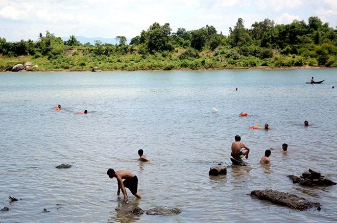 Four children drown in Phú Yên