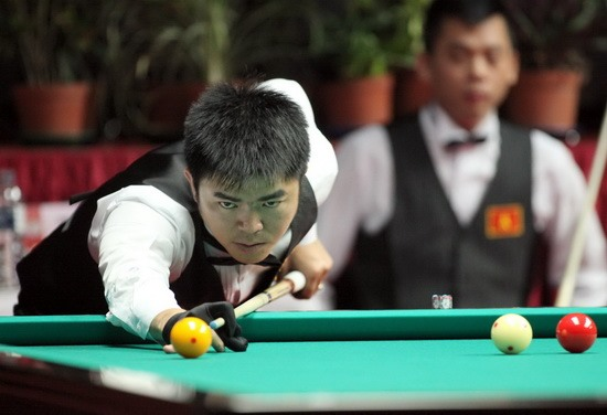 Nguyện Chiến wins first matches at HCM City 3-cushion World Cup
