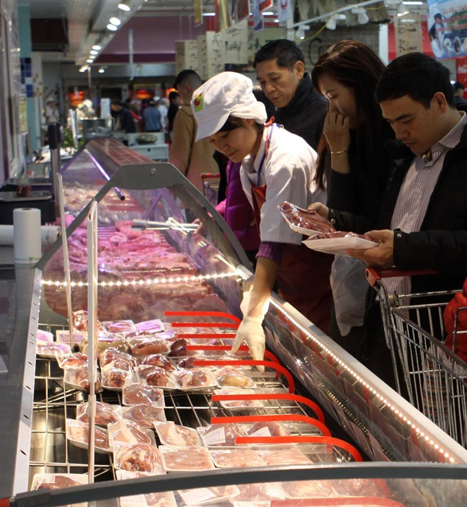 Food prices drag May CPI down