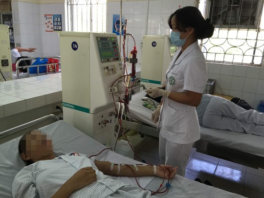 Six out of 18 dialysis patients died during treatment