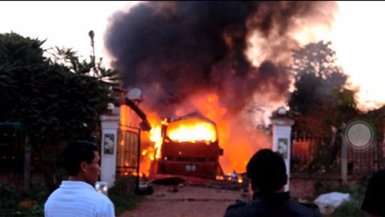 Vietnamese man dies after coach explodes in Laos