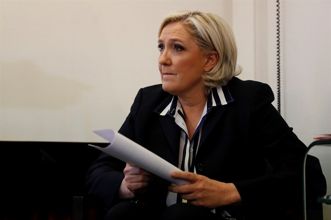Le Pen Macron face off in final French presidential debate