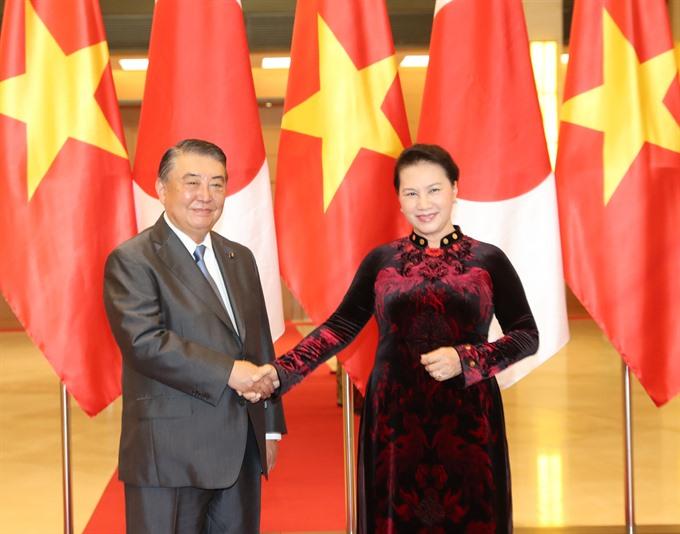 Top VN Japanese legislators hold talks
