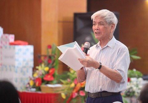 Poet Việt Phương dead at 89