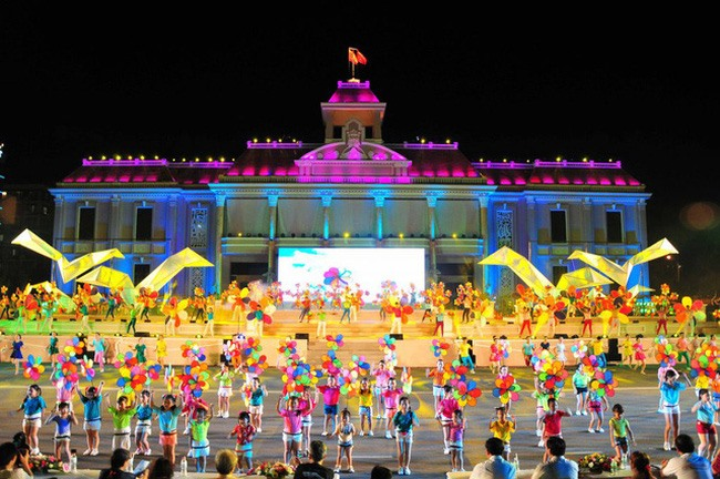 Sea festival opens in Nha Trang