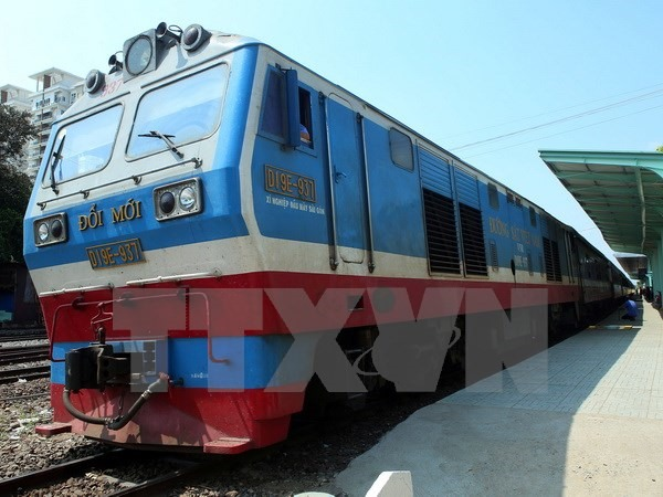 First cargo train linking VN China sets off