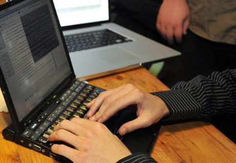 Users allowed to transfer Vietnamese domain name