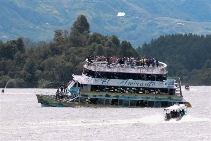 Six dead 31 missing after Colombia tourist boat sinks: president