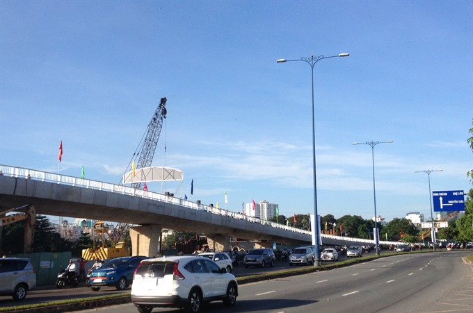 HCM City builds 2 ramps from Võ Văn Kiệt Highway to bridge to ease traffic