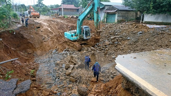 Sinkhole appears in Lai Châu Province after rain