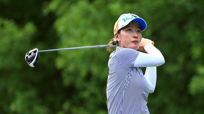 Choi grabs major lead at storm-halted Womens PGA