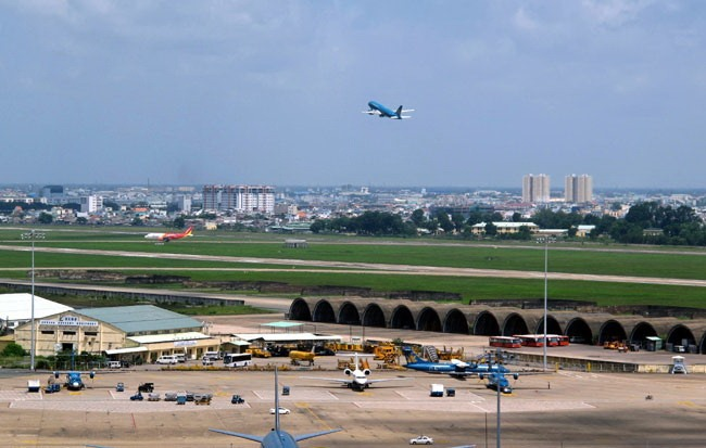 City mulls measures for airport expansion