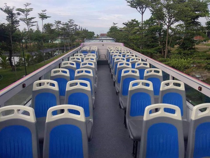 Open double-decker bus debuts in Đà Nẵng