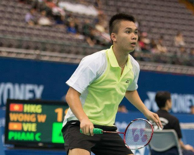 Cường advances in Canadian badminton open