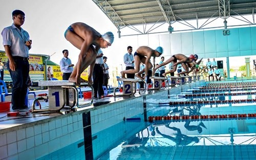 HCM City top national junior finswimming event