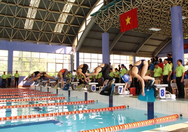 HCM City triumph at national finswimming champs