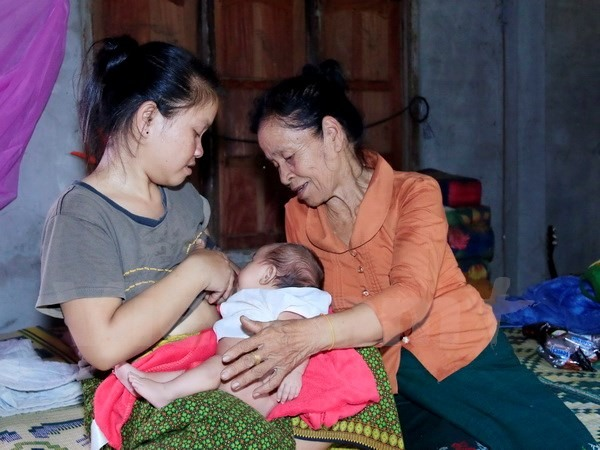 Lao woman gave breast milk to VN soldier in wartime - Society - Vietnam  News   Politics, Business, Economy, Society, Life, Sports - VietNam News
