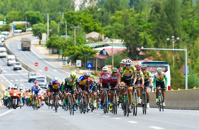 Hoài wins fourth stage of cycling tournament