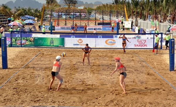 Beach volleyball event opens in Bình Thuận