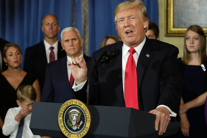 US Senate advances health care bill tough debate looms