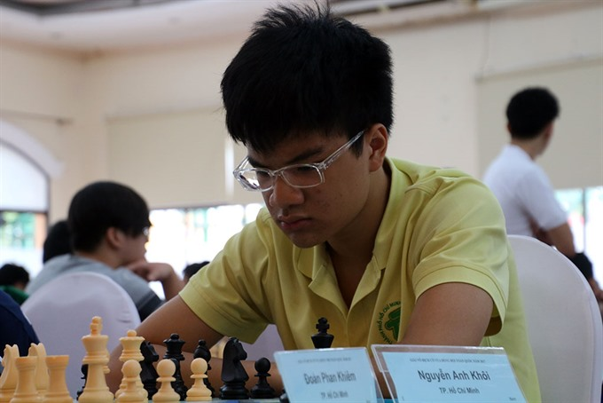 Khôi stays first Dương leads in chess