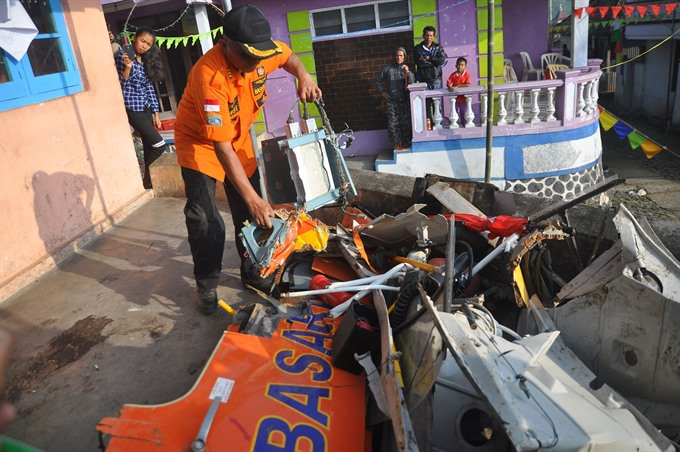 Eight rescuers killed in Indonesian helicopter crash