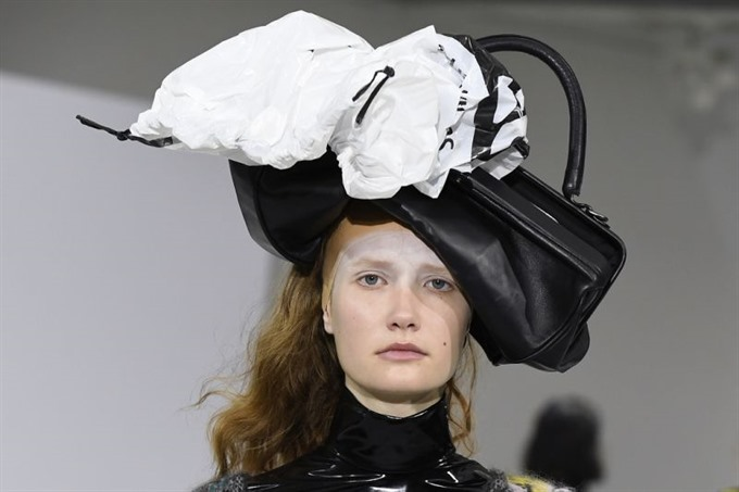 Fashion tries to prove women can look good in bin bags