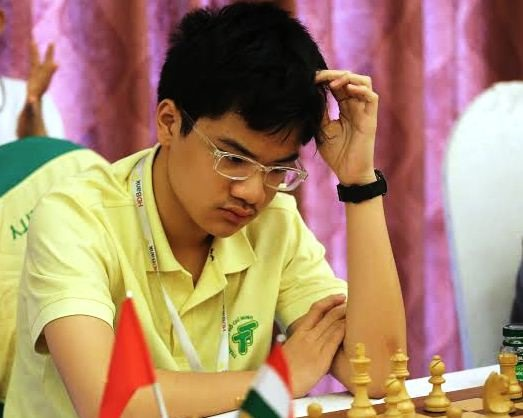 Khôi wins standard category at national chess event
