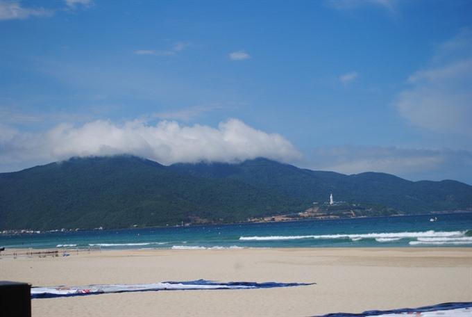 Central city seeks fund for sea project in Sơn Trà Peninsula