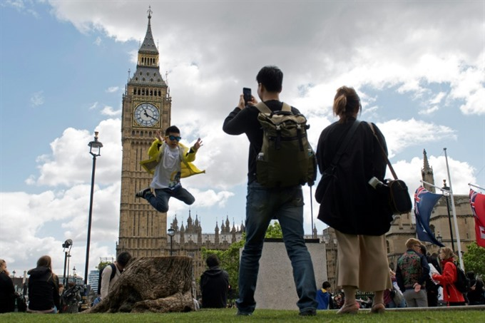 Britains Big Ben to fall silent for four years