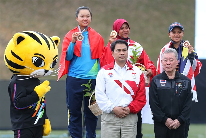 Oanh wins first medal for Việt Nam at SEA Games