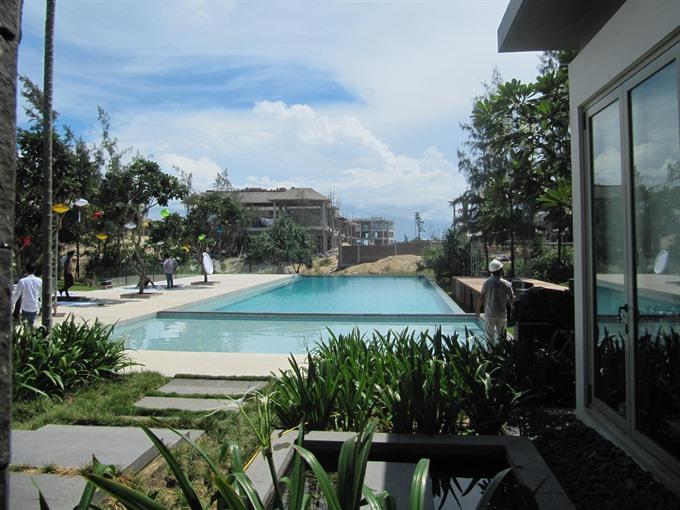 Beach villa resort opens sale in Đà Nẵng