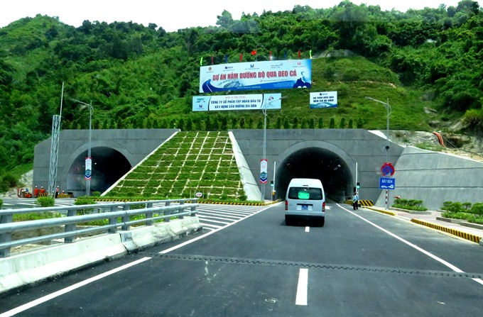 Cả Pass tunnel road opened to traffic