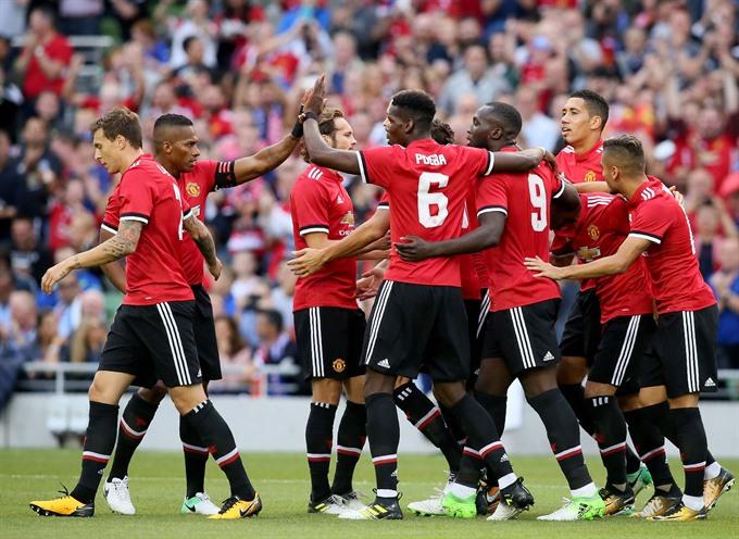 Mkhitaryan Mata lead United to friendly win