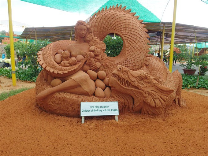 Exquisite intricate sculptures made from Việt Nams red sand