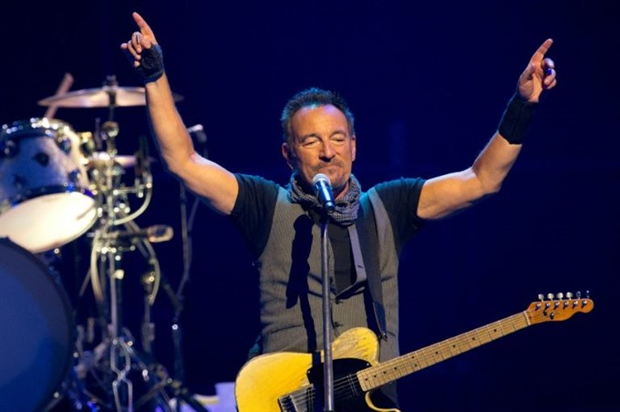 Bruce Springsteen extends Broadway run after tickets sell out