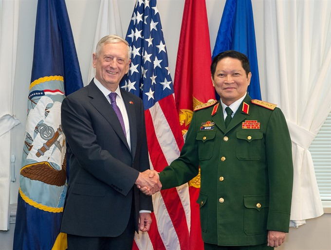 Vietnamese US defence chiefs hold talks