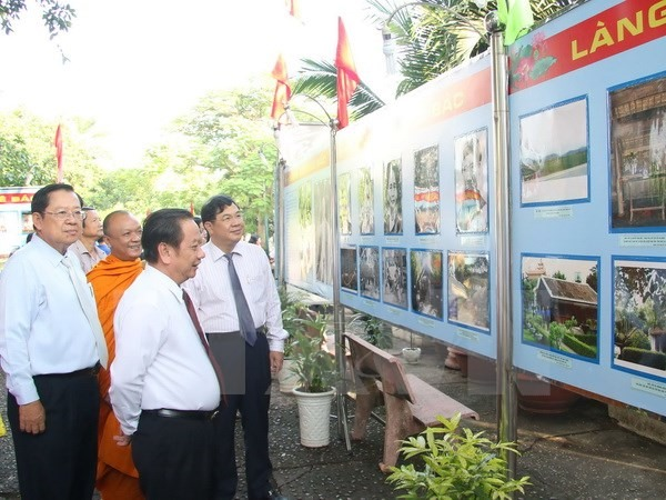 Cần Thơ museum hosts exhibitions to celebrate 50th ASEAN birthday