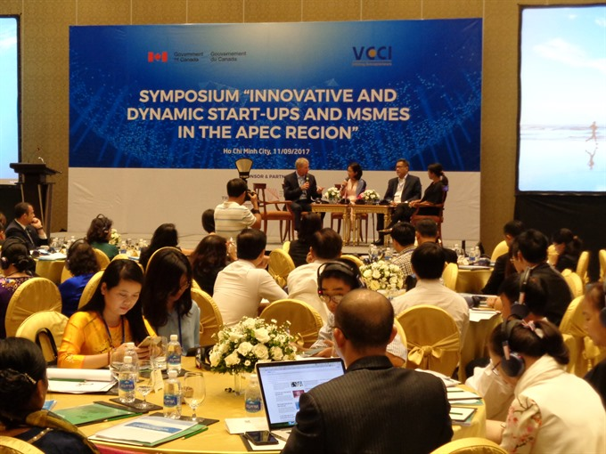 APEC members discuss fostering small firms