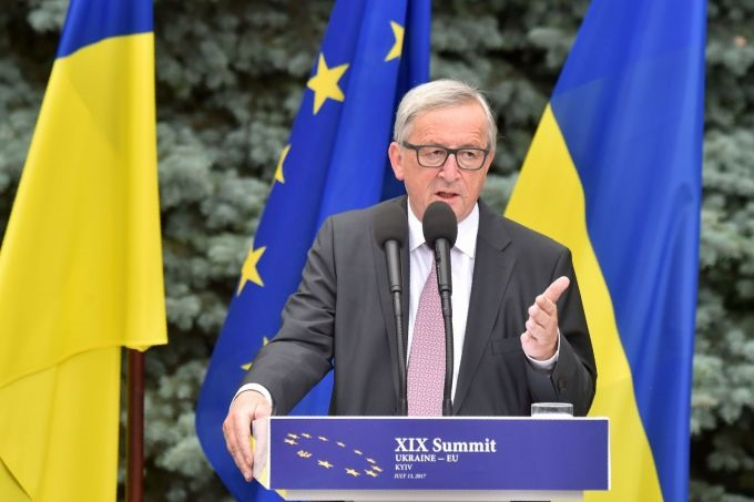 Juncker seeks to sail on post-Brexit winds of change