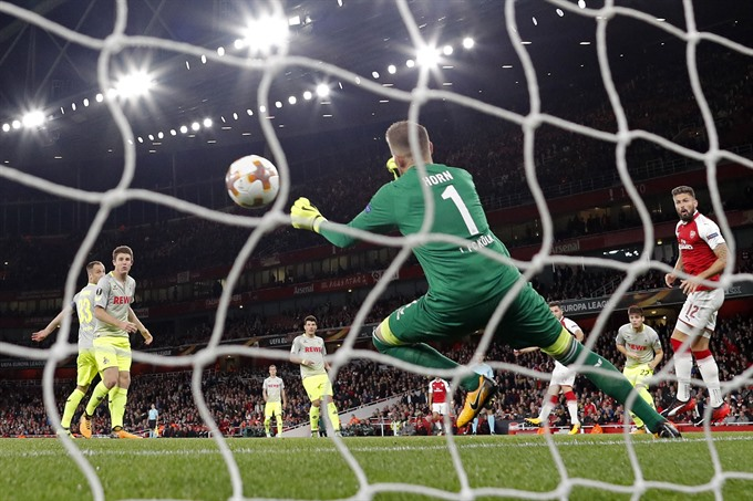 Wenger pondered new date prior to stormy Cologne win