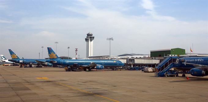 Hà Nội airport risks overload