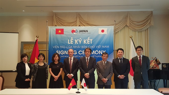 Japan provides aid to VN grassroots projects
