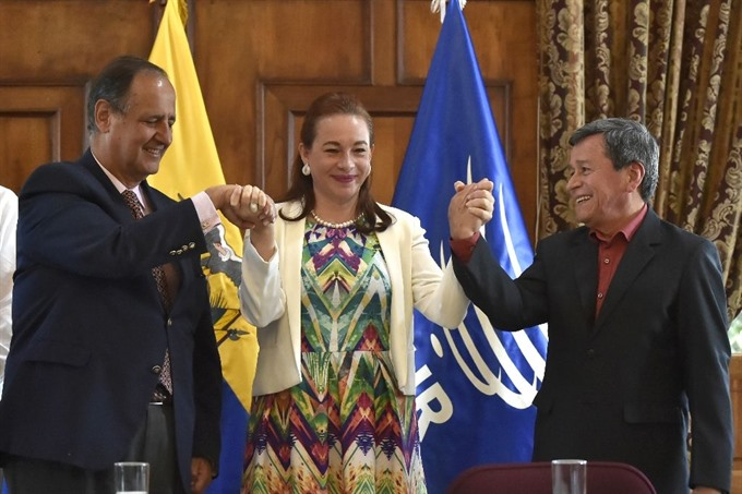 Colombia government rebels hail pope-backed ceasefire