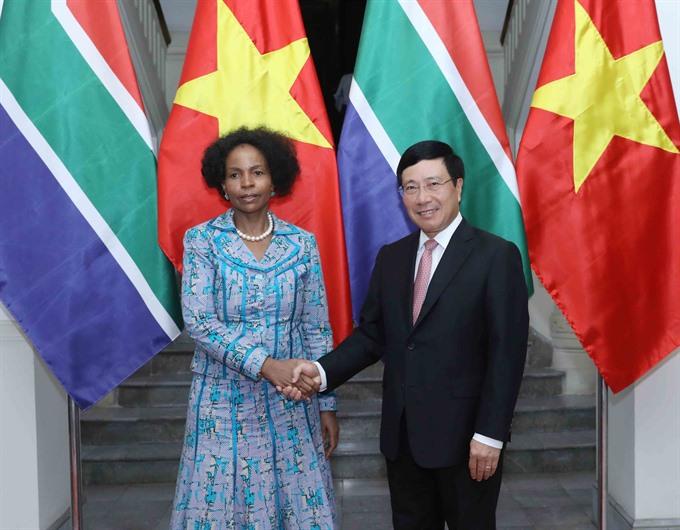 VN S Africa seek expanded ties